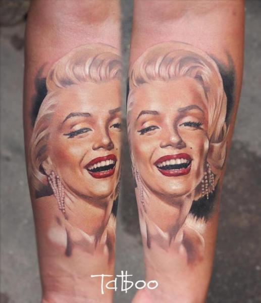 Tatuaggio Braccio Ritratti Realistici Marilyn Monroe di Valentina Riabova