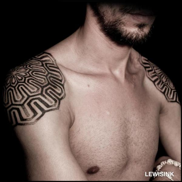 Shoulder Dotwork Tattoo by Lewis Ink