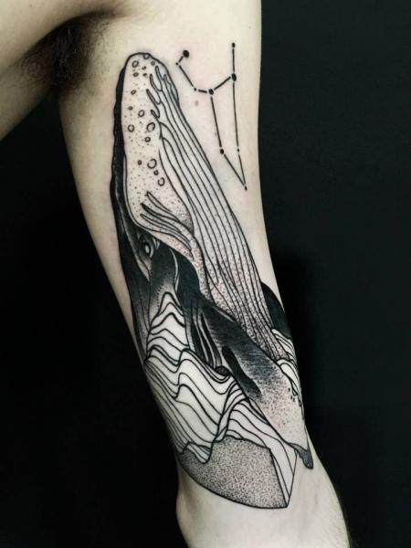 Arm Dotwork Wal Tattoo von Michele Zingales