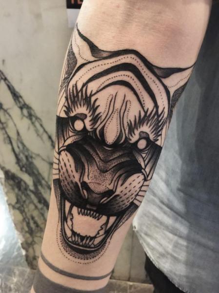 Arm Tiger Tattoo von Michele Zingales