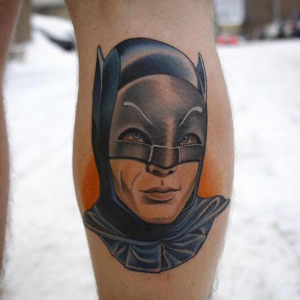 Tatuaggio Polpaccio Batman di Sacred Tattoo Studio