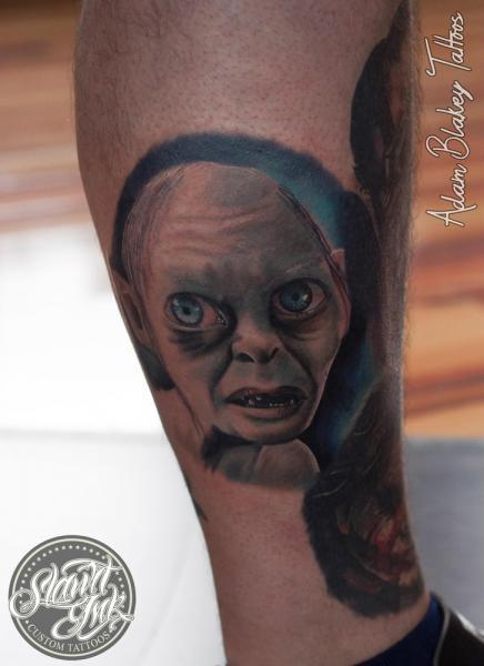 Tatuaje Fantasy Pierna Gollum por Slawit Ink