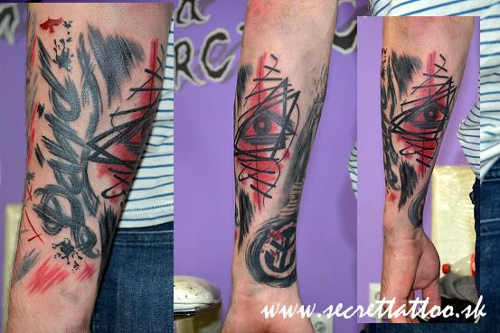 Arm Trash Polka Tattoo von Secret Tattoo & Piercing
