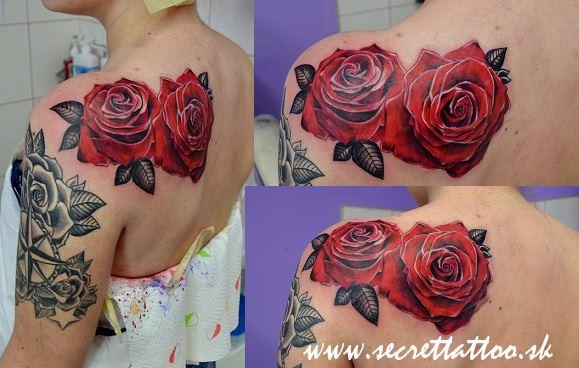 schulter blumen r cken rose tattoo von secret tattoo piercing. Black Bedroom Furniture Sets. Home Design Ideas