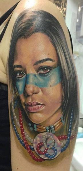 肩 リアル インディアン タトゥー よって Forever Tattoo