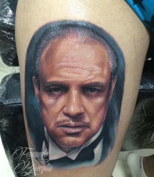 Tatuaje Retrato Realista Muslo por Forever Tattoo