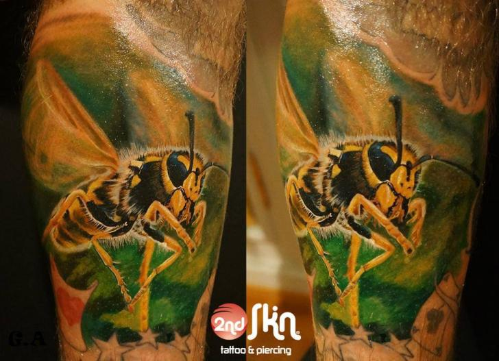 Arm Realistic Bee Tattoo by 2nd Skin