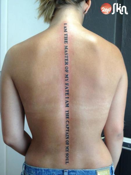 Tatuaje Letras Espalda Por 2nd Skin
