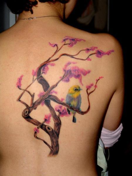 Tatuaje Realista Espalda Pájaro Árbol por 2nd Skin