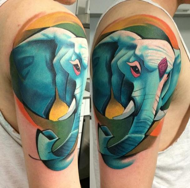Shoulder Elephant Tattoo by Mefisto Tattoo Studio