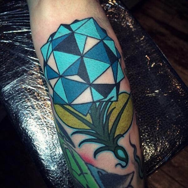 Tatuaggio Braccio Diamante di Cloak and Dagger Tattoo