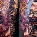 tatuaggio Spalla New School Gypsy di Cloak and Dagger Tattoo