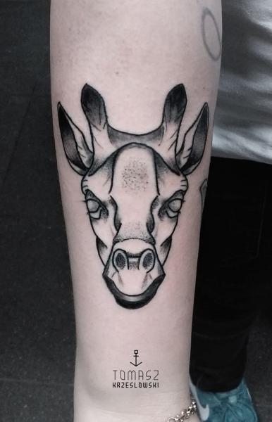 Arm Dotwork Giraffe Tattoo by Zmierzloki tattoo