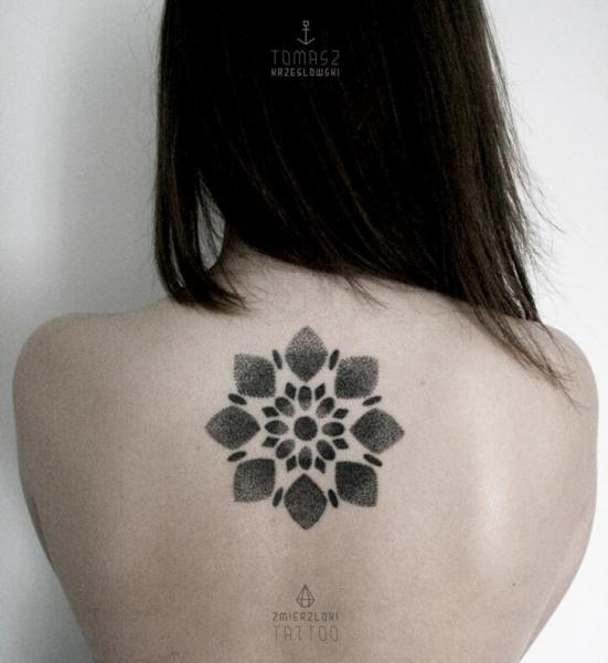 Flower Back Dotwork Tattoo by Zmierzloki tattoo