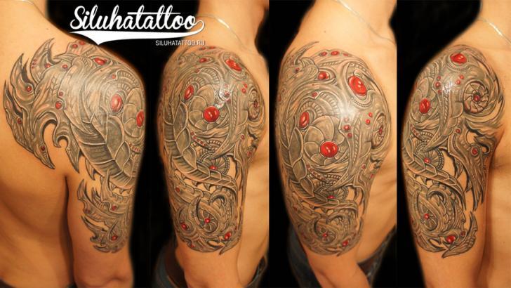 Shoulder Biomechanical Tattoo by Siluha Tattoo