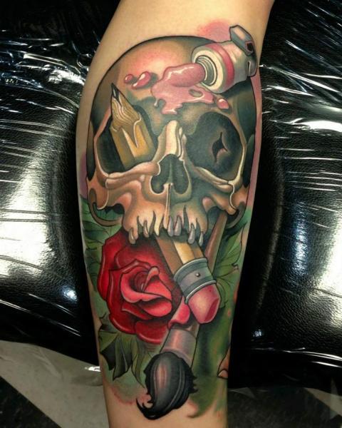 Tatuaje Brazo New School Cráneo Lápiz por Niteowl Tattoo