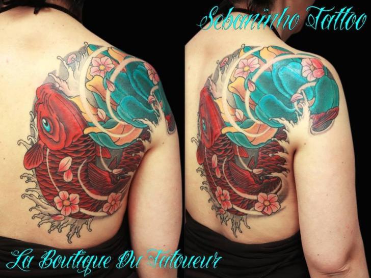 Tatuaje Japoneses Espalda Carpa Koi por Sebaninho Tattoo