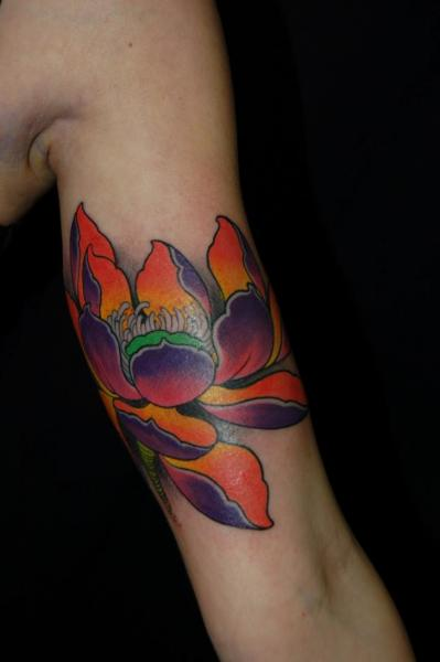 Arm Flower Lotus Tattoo by Dalmiro Tattoo