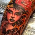 Leg Skull Woman tattoo by Dalmiro Tattoo
