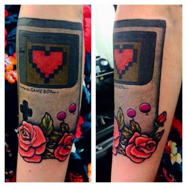 Tatuaje Brazo Corazon Flor Juego por Alex Heart