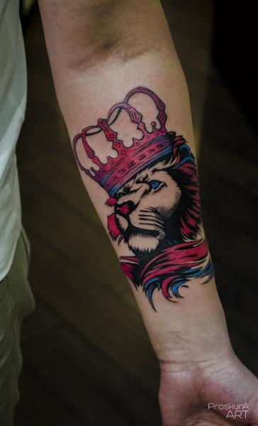 Tatuaje Brazo León Corona Por Proskura Art