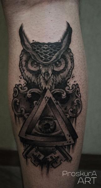 Tatuaggio Polpaccio Gufo Dio di Proskura Art