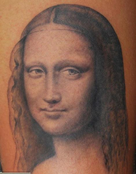 Tatuaje Brazo Realista Gioconda por Tattoo Power