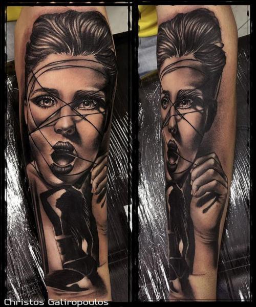 Arm Porträt Frau Tattoo von El Loco Tattoo Lounge