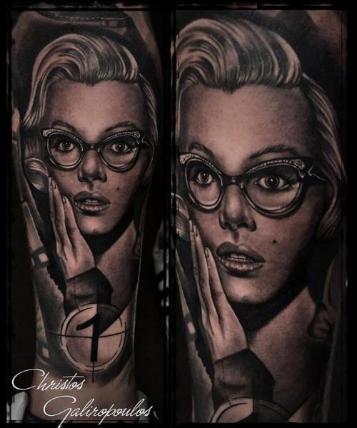 Porträt Realistische Bein Marilyn Monroe Tattoo von El Loco Tattoo Lounge