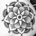 Schulter Mandala tattoo von Solid Heart Tattoo