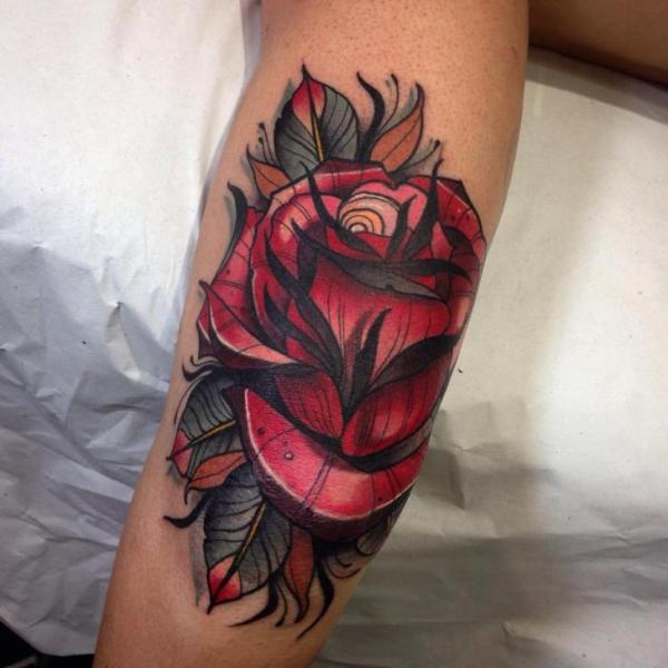 Arm New School Blumen Rose Tattoo von Blessed Tattoo
