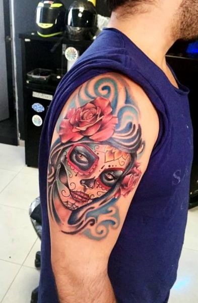 Shoulder Tattoo by Fontecha Iron