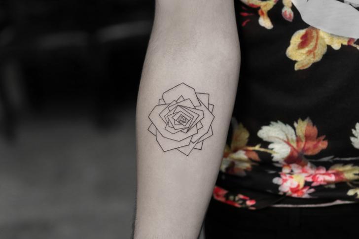 Arm Geometrisch Rose Tattoo von Bang Bang