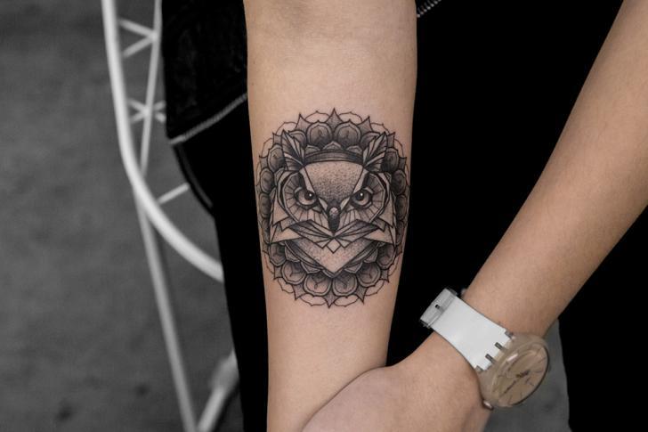 Tatuaggio Braccio Gufo di Bang Bang