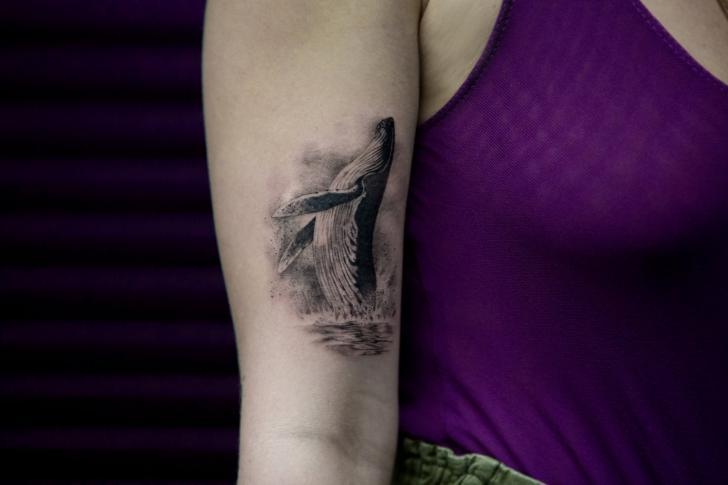Arm Wal Tattoo von Bang Bang