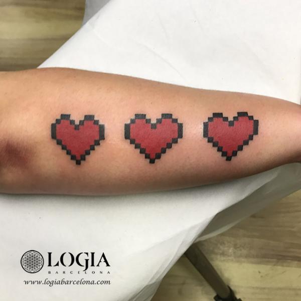 Tatuaggio Braccio Cuore Geometrici di Logia Barcelona
