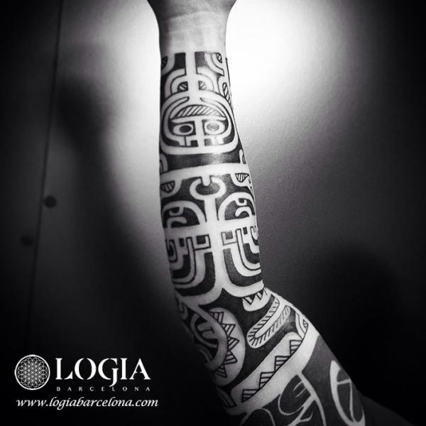 Arm Tribal Maori Tattoo by Logia Barcelona