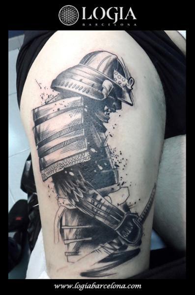 Tatuaggio Samurai Coscia di Logia Barcelona