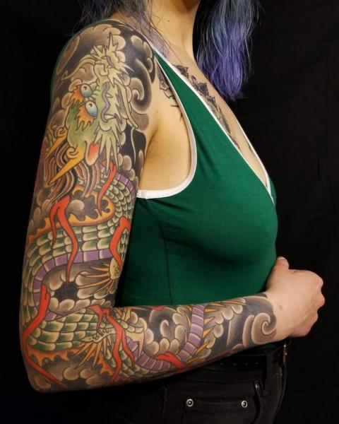 Tatouage Bras Serpent Japonais par Electric Anvil Tattoo