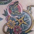 Schulter Old School Schmetterling Kompass tattoo von Electric Anvil Tattoo
