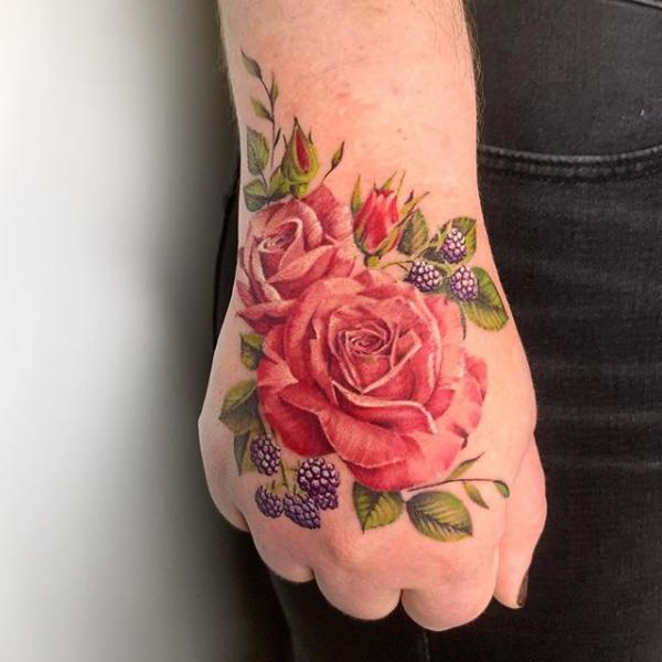 Blumen Hand Rose Tattoo von Dot Ink Group