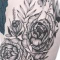 Flower Dotwork Thigh tattoo by Heart of Art