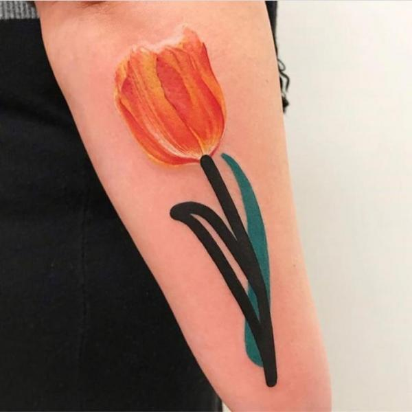 Tatuaje Brazo Flor Acuarela por Mambo Tattooer