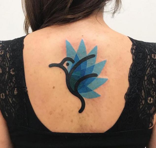 Rücken Vogel Tattoo von Mambo Tattooer