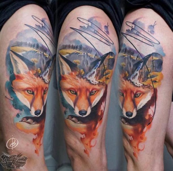 Fuchs Oberschenkel Tattoo von Daria Pirojenko