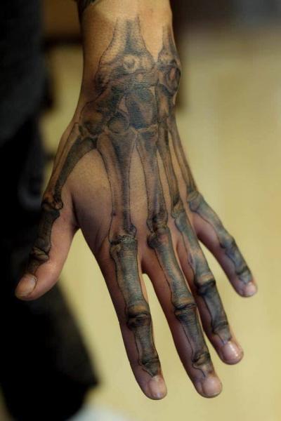 Arm Skeleton Knochen Tattoo von Plan9 Ealing