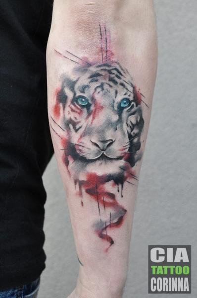 Arm Tiger Aquarell Tattoo von Cia Tattoo