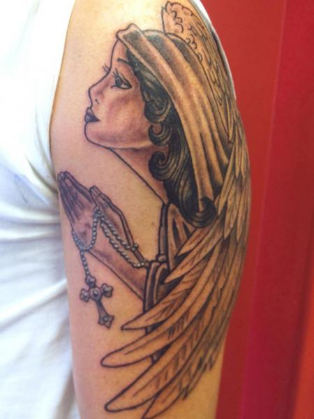 Schulter Engel Tattoo von Avinit Tattoo