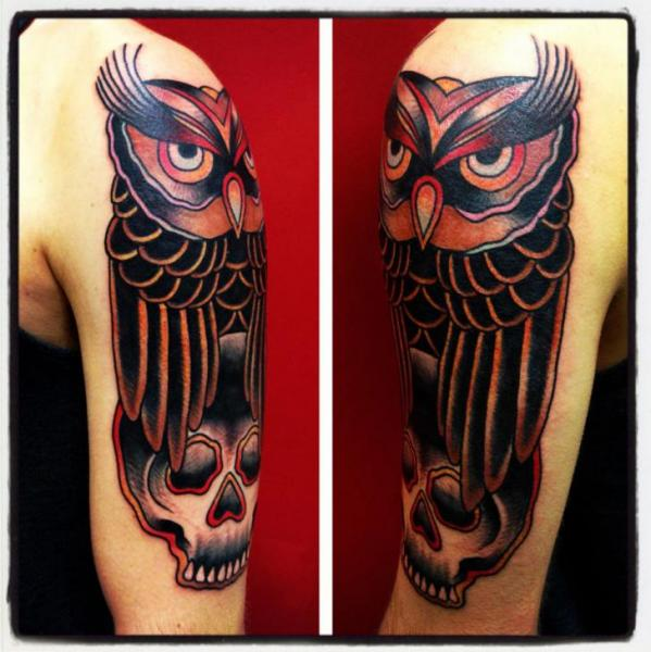 Shoulder Old School Owl Tattoo by Avinit Tattoo