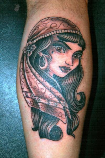 Arm Kopf Tattoo von Barry Louvaine